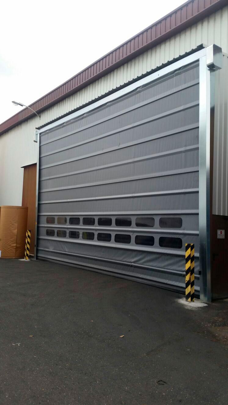 Puerta rapida gris