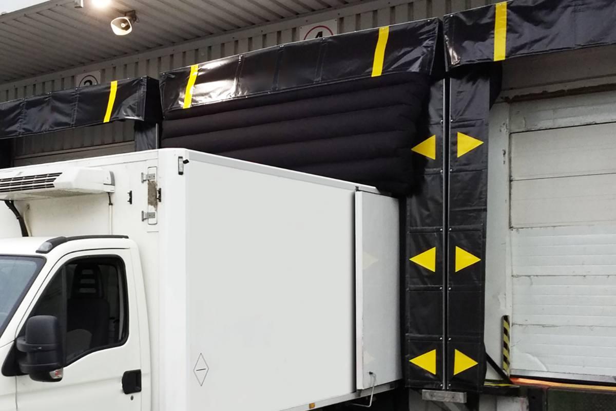 Camión detalle en abrigo hinchable